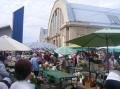 Auf dem Zentralmarkt am Rade der Altstadt.