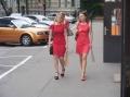 In Riga wird viel rot getragen.